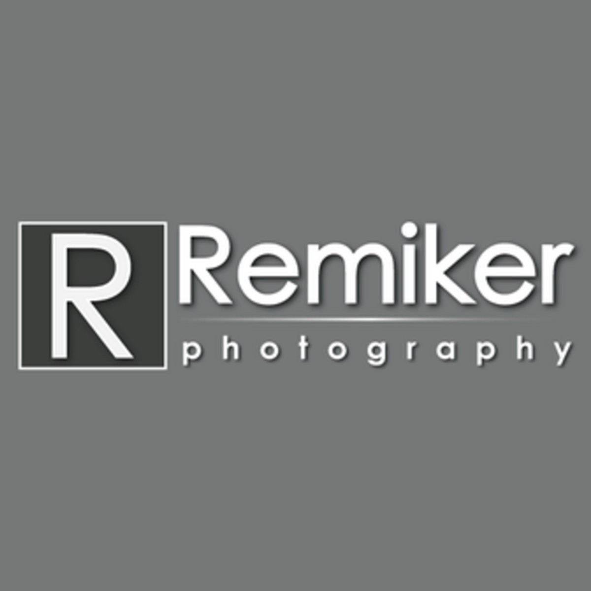 remiker photography logo